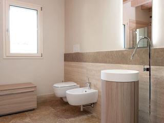 Viel Emozioine Pietra Modern style bathrooms Marble Brown