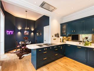 Hague blue painted shaker kitchen Sculleries of Stockbridge キッチン収納