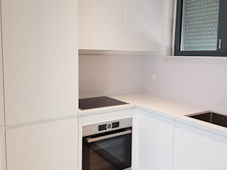 MARA GAGLIARDI 'INTERIOR DESIGNER' ห้องครัวที่เก็บของ พลาสติก White