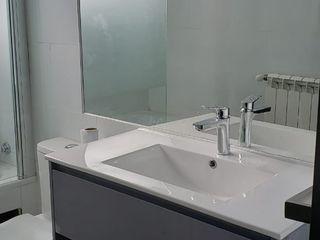 Construcción de baño Constructora CYB Spa Baños de estilo moderno