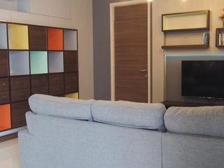 Supalai Prima Riva Condominium UpMedio Design Modern living room