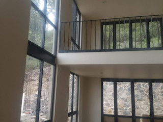 vertikal Modern Living Room Aluminium/Zinc Black