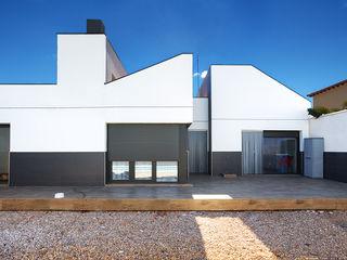 OOIIO Arquitectura Окремий будинок ДСП Білий