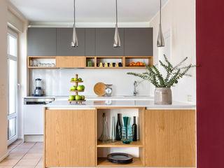 CONSCIOUS DESIGN - INTERIORS 置入式廚房 石英 Multicolored