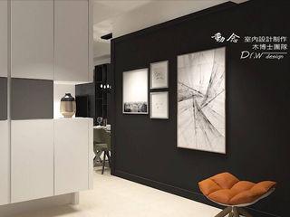 東方威尼斯 木博士團隊/動念室內設計制作 現代風玄關、走廊與階梯 合板 Black