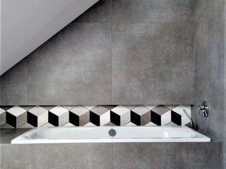 Wkwadrat Architekt Wnętrz Toruń Minimalist bathroom Tiles Grey