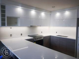 La Casa Azteca KitchenCabinets & shelves Multicolored