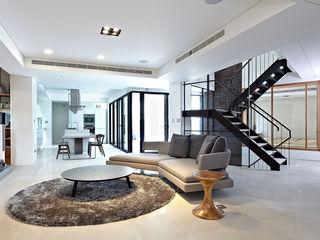 凸透設計-光庭建設 Salones de estilo minimalista