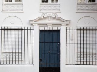 Bau-czek Spa Edificios de oficinas de estilo clásico