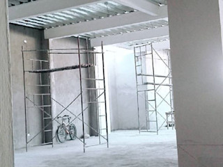 B+2 Торгові центри Залізо / сталь Сірий