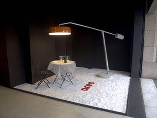 Escaparate Biosca y Botey BARASONA Diseño y Comunicacion Paredes y suelos de estilo moderno
