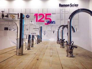 ISH 2015 Stand para Ramon Soler BARASONA Diseño y Comunicacion Diseño de ferias de estilo minimalista