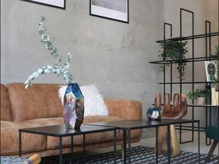 Design Studio Showroom Ivy's Design - Interior Designer aus Berlin Moderne Geschäftsräume & Stores Holz Braun