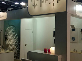 Stand Equiphotel Paris para Ramon Soler BARASONA Diseño y Comunicacion Diseño de ferias de estilo minimalista