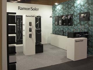 Stand Interihotel para Ramon Soler BARASONA Diseño y Comunicacion Diseño de ferias de estilo minimalista