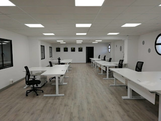 BARASONA Diseño y Comunicacion Minimalist offices & stores
