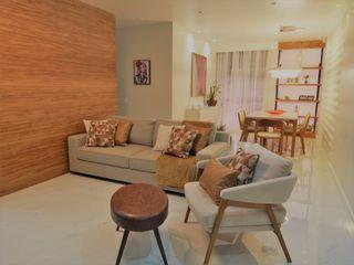 Interior de sala sofisticada Izabella Biancardine Interiores Salas de estar modernas