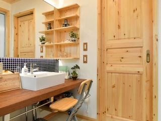 木の家株式会社 Modern Bathroom Wood