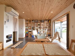 木の家株式会社 Modern Living Room Wood