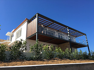 RSV Arquitetos Associados Terrace house Iron/Steel Wood effect