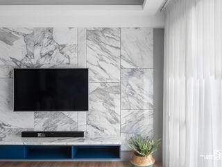 竹北 - 雙學院 禾廊室內設計 现代客厅設計點子、靈感 & 圖片 大理石