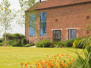 Listed farmhouse conversion, 2018 TAS Architects Moderne Häuser