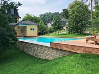 Infinity Pool in der Nähe von Frankfurt a.M. Kirchner Garten & Teich GmbH Infinity pool Weiß