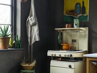 The Cotes Mill Haberdasher's Showroom by deVOL deVOL Kitchens Кухня Масив Коричневий