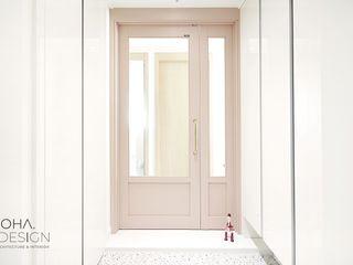 로하디자인 Коридор, прихожая и лестница в модерн стиле Розовый