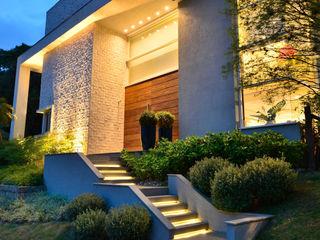 Cond. Reserva do Arvoredo - 2 Tania Bertolucci de Souza   Arquitetos Associados Casas modernas