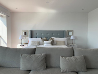 Home Staging & Co. BedroomBeds & headboards