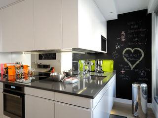 Aménagement de A à Z d'un appartement 4 pièces de 85m2 Créateurs d'Interieur Cuisine minimaliste