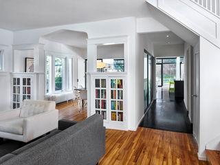 KUBE architecture 現代風玄關、走廊與階梯