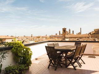 MIROarchitetti Balcones y terrazas de estilo moderno