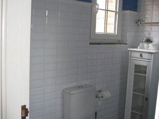 Almudena Madrid Interiorismo, diseño y decoración de interiores Baños modernos Azul