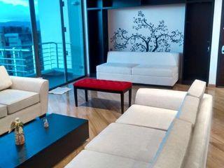 KAYROS ARQUITECTURA DISEÑO INTERIOR Salon moderne Bois Effet bois