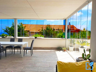 SEAR di Azzarello Caterina & C snc Modern garden Glass White
