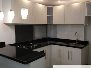 Acuamaro Built-in kitchens Granite Wood effect