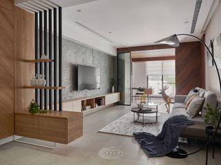 漫延‧悠然 層層室內裝修設計有限公司 現代風玄關、走廊與階梯