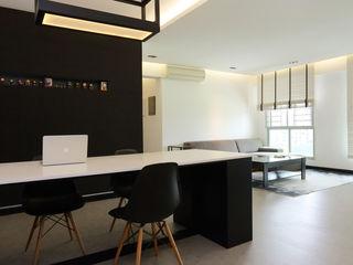 Monoloft Salones minimalistas Negro