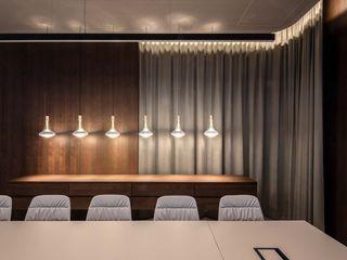 destilat Design Studio GmbH Modern study/office