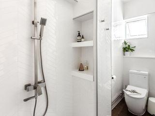 Distinctidentity Pte Ltd Modern bathroom