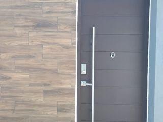ENGO MANUFACTURAS METALICAS Puertas de entrada Metal Negro