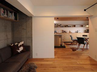 藤森大作建築設計事務所 İskandinav Oturma Odası Ahşap Beyaz