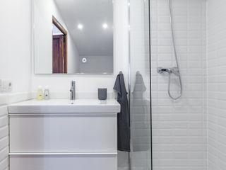 Fiol arquitectes Mediterranean style bathrooms