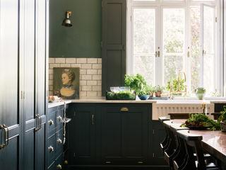 The Victorian Rectory by deVOL deVOL Kitchens Dapur Klasik Parket Blue