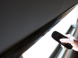 除了美感外,還多了一份機能的夢想家居|Motorized 電動窗簾.窗簾推薦 MSBT 幔室布緹 窗戶與門百葉窗與捲簾 亞麻織品 Black