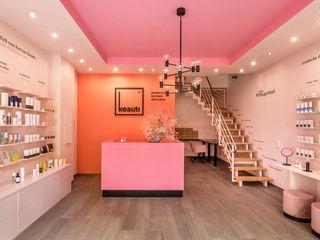 CONSCIOUS DESIGN - INTERIORS 辦公室&店面 Multicolored
