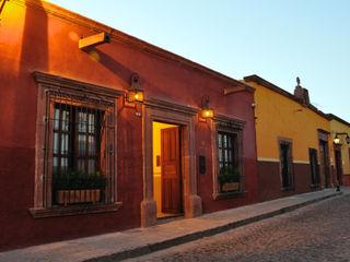 DE LEON PRO Hotel Gaya Kolonial