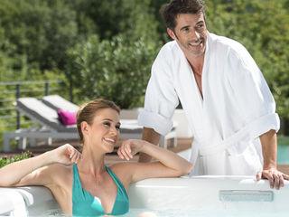 Whirlpool und Swim Spa SPA Deluxe GmbH - Whirlpools in Senden Moderner Balkon, Veranda & Terrasse